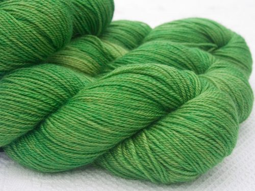 Green Bluefaced Leicester, silk & cashmere 4-ply yarn. Hand-dyed by Triskelion Yarn.
