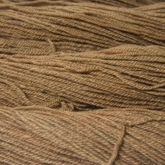Semi-solid light brown, with oakwood and tawny tones Bluefaced Leicester (BFL) / Masham aran yarn. Hand-dyed by Triskelion Yarn