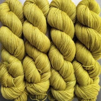 Frea - Light chartreuse green Baby Alpaca Silk & Cashmere 4-ply yarn. Hand-dyed by Triskelion Yarn.