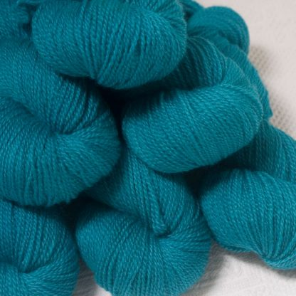 Fiachra - Mid-tone turquoise Bluefaced Leicester 4-ply / fingering weight yarn hand-dyed by Triskelion Yarns