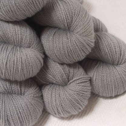 Seagull - Light grey Bluefaced Leicester 4-ply / fingering weight yarn hand-dyed by Triskelion Yarns