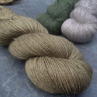 Herb – Light to mid-toned olive green baby alpaca 4-ply/fingering/sock yarn. Hand-dyed by Triskelion Yarn