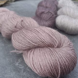 Rhosyn – Soft, dusty pink, on the rose side baby alpaca 4-ply/fingering/sock yarn. Hand-dyed by Triskelion Yarn